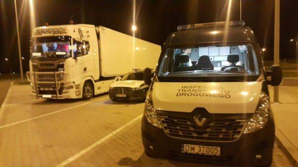 ITD złapało cztery ciężarówki tego samego przedsiębiorcy. We wszystkich wykryło manipulacje czasem p