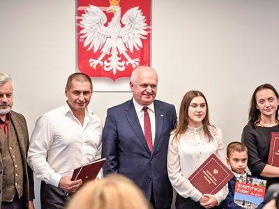 Украинский водитель-герой получил польское гражданство