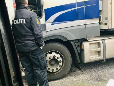Danemarca | Transportator sancționat sever pentru că șoferii săi își efectuau odihna săptămânală în cabină