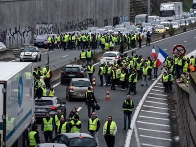 Franța: Noi proteste ale transportatorilor în intervalul 5-7 decembrie