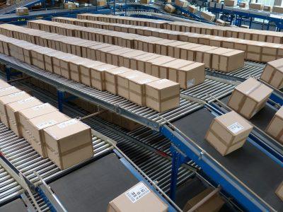 """Der E-Commerce-Boom hat die Altpapierpreise in die Höhe getrieben. Die """"Pappkrise"""" ist nun Tatsache"""