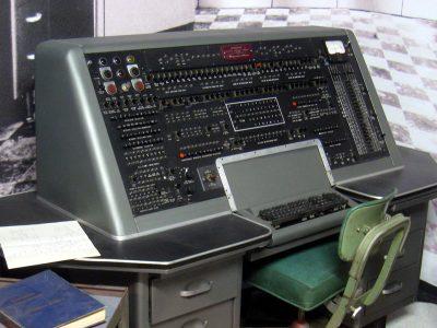Historia transportu o odc. 97. Amerykańskich przewoźników było stać na pierwsze komputery… ważące 15 ton