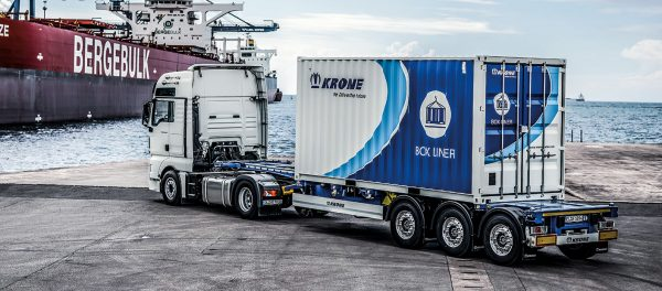 Container transport – what kind of vehicles can be used by the carriers [REVIEW].