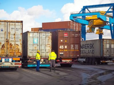 Transport and logistics of containers – what limits and restrictions apply?