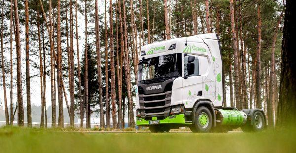 Lietuvoje – pirmieji suskystintomis gamtinėmis dujomis varomi sunkvežimiai