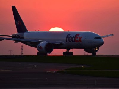 Fracht lotniczy wzbija się na poziomy sprzed pandemii. W marcu przebił najwyższy poziom w historii