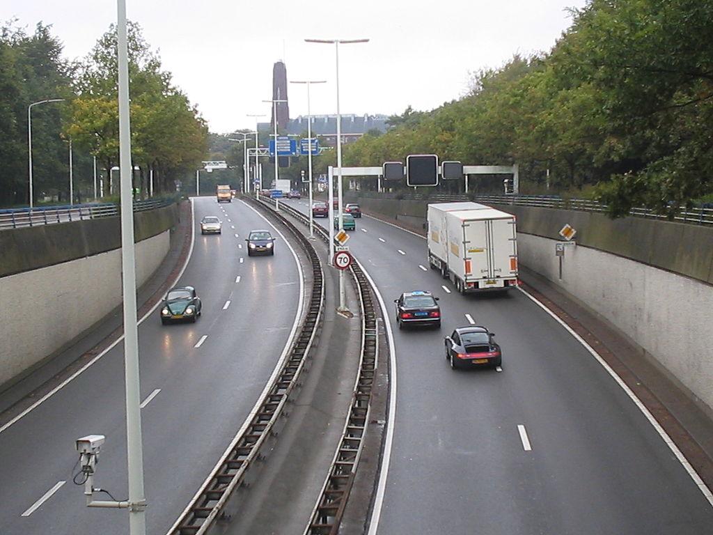Weekendowe zamknięcie niderlandzkiej autostrady przy granicy z Belgią