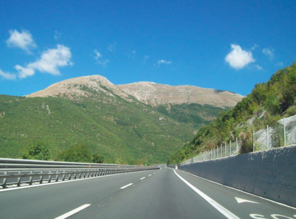 You can recover the toll for driving on Italian motorways. Check how much you can get and how to app