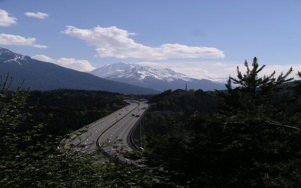 Tirolis pratęsė sunkvežimiams apribojimą, kuris apima privažiavimą prie degalinių