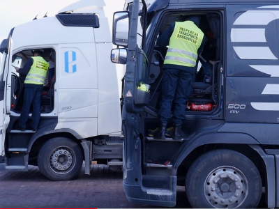Ponad 3 tys. wykrytych manipulacji na tachografach w 2019 r. Komu i dlaczego opłaca się łamanie prawa?