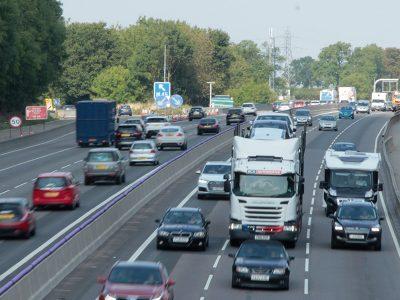 Noi reguli privind accesul vehiculelor grele în Londra aplicabile din această lună
