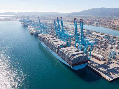 Испанские фермеры заблокируют на этой неделе один из самых больших портов Европы