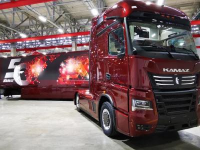 Камаз празднует полувековой юбилей технологическими диковинками и объявлением о планах производства коммерческих фургонов