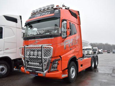 Необычные модели грузовиков Volvo, которые были поставлены в 2019 году российским клиентам
