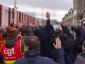 """Prancūzijoje vyksta akcija """"mirę uostai"""". Profesinių sąjungų atstovai vis dar protestuoja ir blokuoja įvažiavimą į terminalus"""