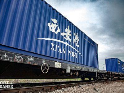 Pierwszy szerokotorowy pociąg intermodalny na linii Xi'an-Sławków przyjechał do Polski