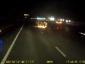 Dieser LKW-Fahrer ist ein Held. Er rettete eine Frau aus einem brennenden Auto kurz bevor es explodierte
