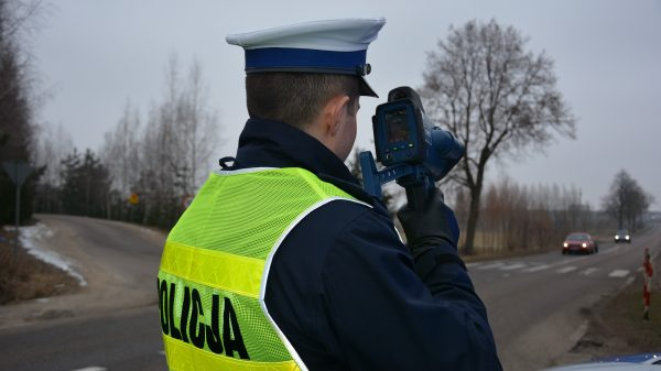 He lost his driving license for speeding. Now he argues that the tachograph and GPS prove the police