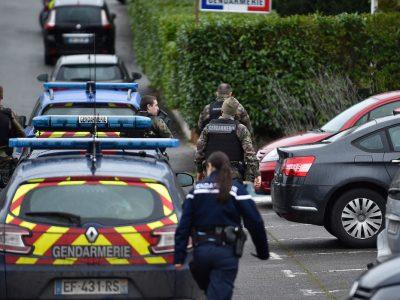 Poliția franceză a arestat 11 hoți de camioane din România