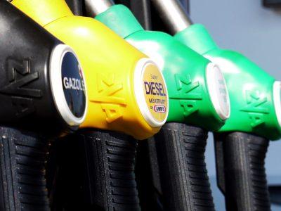 Giganci paliwowi podjęli zaskakującą decyzję. Efektem będzie zmiana cen na stacjach