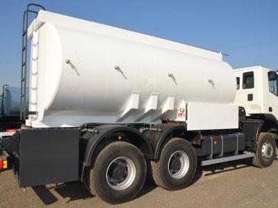 Transportul de combustibil: Ce ar trebui să cunoască transportatorii și șoferii?
