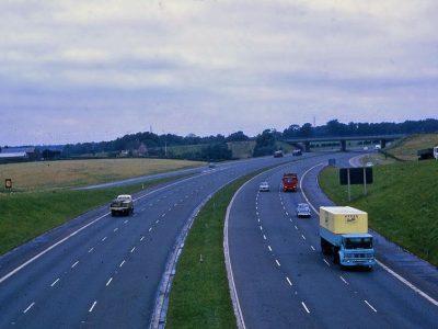 Didžioji Britanija: nauji saugos reikalavimai sunkvežimiams, kurių bendras leistinas svoris didesnis nei 12 t.
