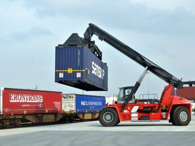 Kelių transporto krovinių vežimo apyvarta pernai padidėjo virš 10 proc.