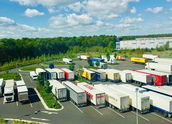 Germania ia în calcul soluții alternative la problema lipsei locurilor de parcare pentru camioane