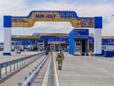 Многие страны закрывают пункты пропуска на границе с Китаем. Посмотрите, какие границы перекрыты