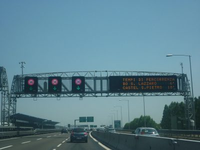Можно вернуть дорожный сбор за проезд по итальянской автомагистрали. Проверьте, сколько можно вернуть и как запросить возврат денег