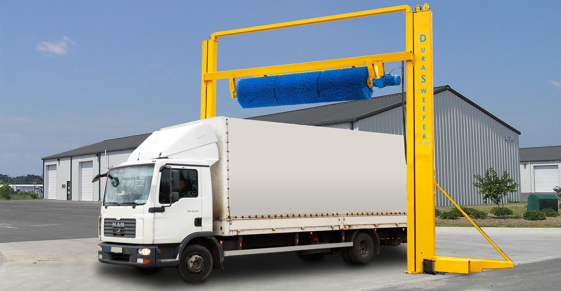 Przedstawiamy automatyczny system odśnieżania Durasweeper, który skutecznie eliminuje problem zalegającego śniegu na dachach ciężarówek i przyczep