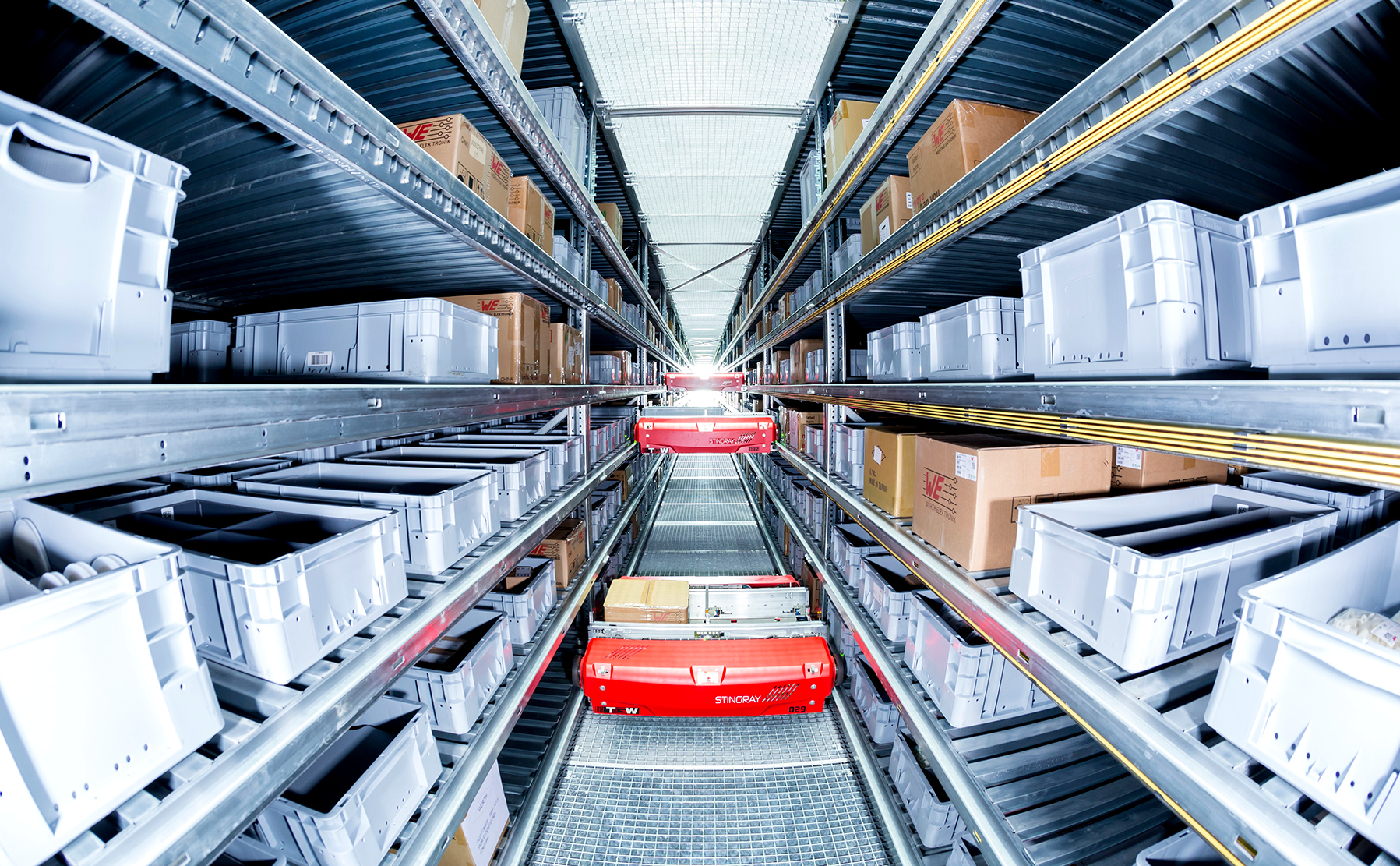 Spożywczy e-sklep zautomatyzował centrum dystrybucyjne. Teraz może realizować 4 tys. zleceń na godzinę