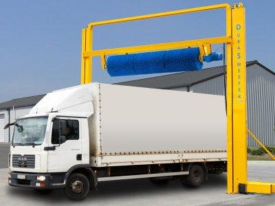 Представляем автоматическую систему очистки снега Durasweeper, которая эффективно устраняет проблему скопления снега на крышах грузовых автомобилей и трейлеров