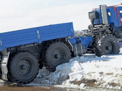 """""""Acélóriás"""" a jelenlegi K5 fülkéjével. A 40 tonnás jármű -60 fokos hidegben is dolgozhat"""