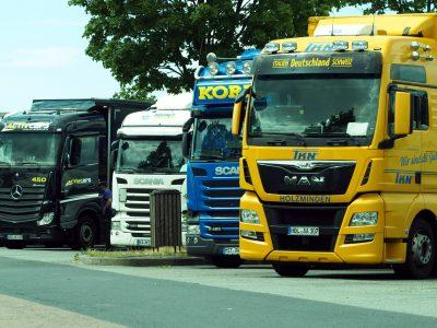 Запрет на движение грузовиков в Италии приостановлен на более длительный срок