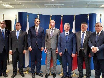 """""""Elengedhetetlen a rossz előírások megszüntetése"""" – Lengyelország és Litvánia támadja a Mobilitási Csomagot"""