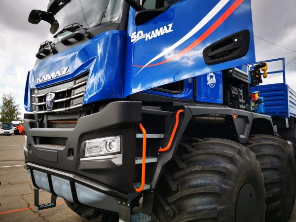 """""""Steel Giant"""" with a high-tech K5 series cab. This 40-tonne vehicle can operate at temperatures belo"""