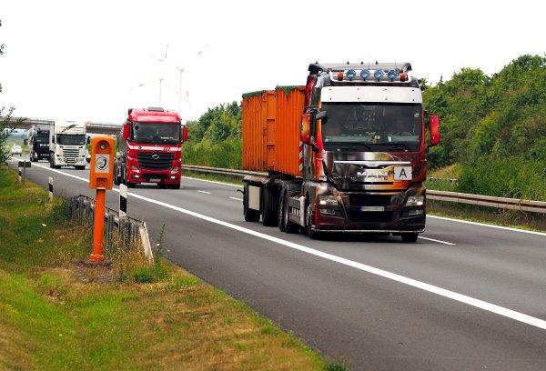 Lenkija apribojo krovininio transporto eismą per Lazdijų punktą
