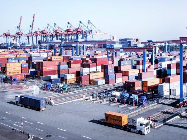 Hamburger Hafen entlastet HafenwirtschaftStundung von Mieten und Hafenentgelten ab sofort möglich