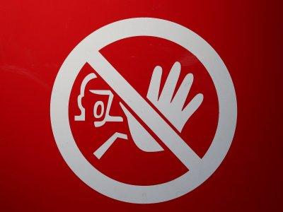 Włoscy kierowcy skarżą się na utrudnienia z powodu koronawirusa. Nie mają gdzie zjeść i skorzystać z toalety