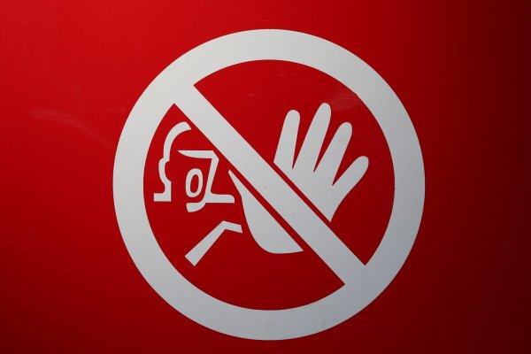 Włoscy kierowcy skarżą się na utrudnienia z powodu koronawirusa. Nie mają gdzie zjeść i skorzystać z