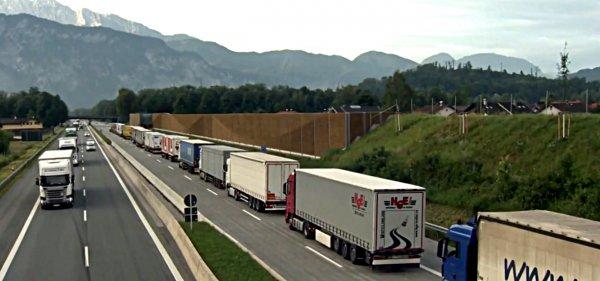 Гигантская пробка грузовиков на итальянско-австрийской границе