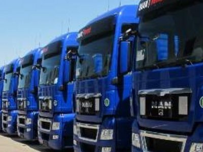 UNTRR solicită modificarea legislației pentru ca firmele de transport rutier din România să-și poată suspenda asigurările RCA fără depunerea plăcuțelor de înmatriculare