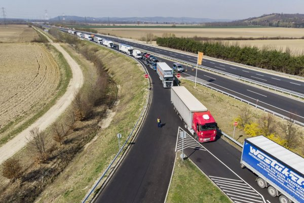 Problems with drivers' hours during pandemic. See what to do when your truck gets stuck in a traffic