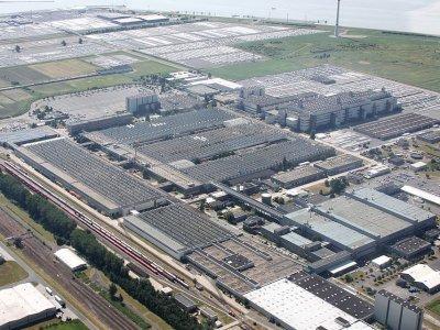 Volkswagen dmucha na zimne i bada kierowców ciężarówek przyjeżdżających do fabryki pod kątem koronawirusa