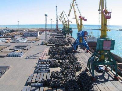 Казахстан закрывает порты из-за распространения коронавируса