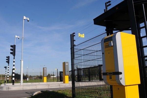 Ochrona, ogrodzenie i monitoring na parkingu dla ciężarówek? Tak, ale nie w Polsce. Sprawdziliśmy, d