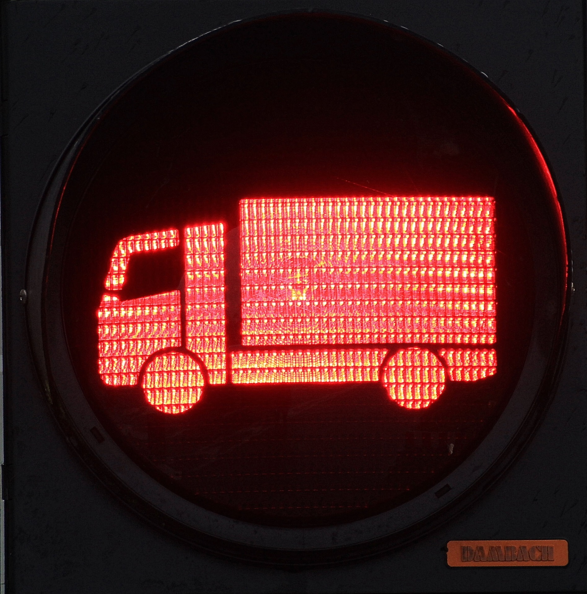 Zakaz ruchu dla ciężarówek na włoskiej autostradzie przedłużony