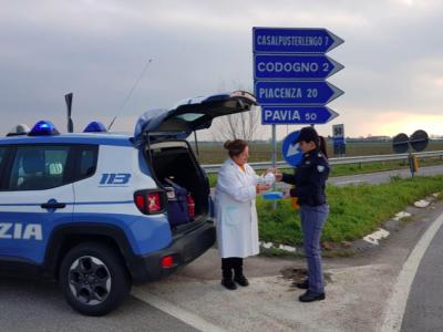 Sytuacja we Włoszech coraz trudniejsza. Co powinni mieć kierowcy jadący do tego kraju? | Kontrole na wielu granicach