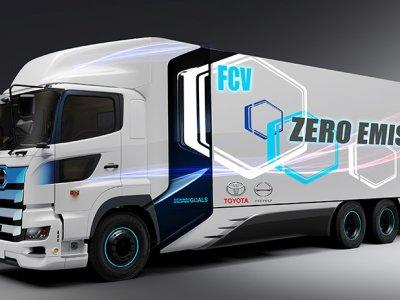 """""""Toyota"""" nori sukurti nulinės taršos sunkvežimį. Turi būti varomas vandeniliu"""